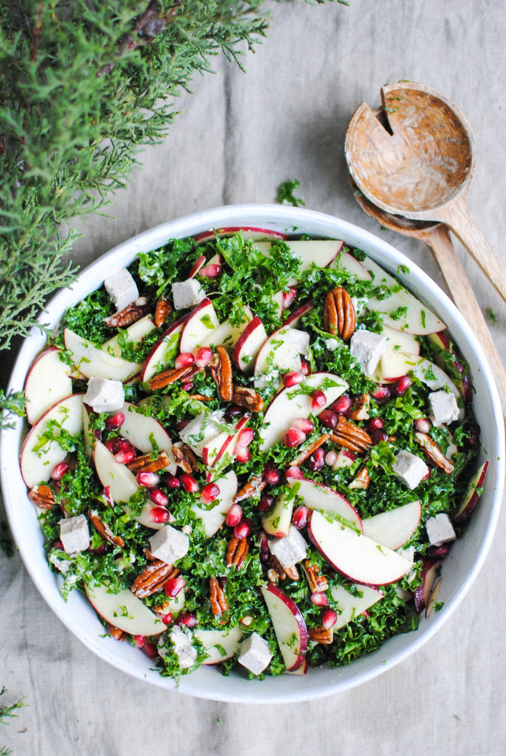 kale, apple and feca salad | please consider | joana limao
