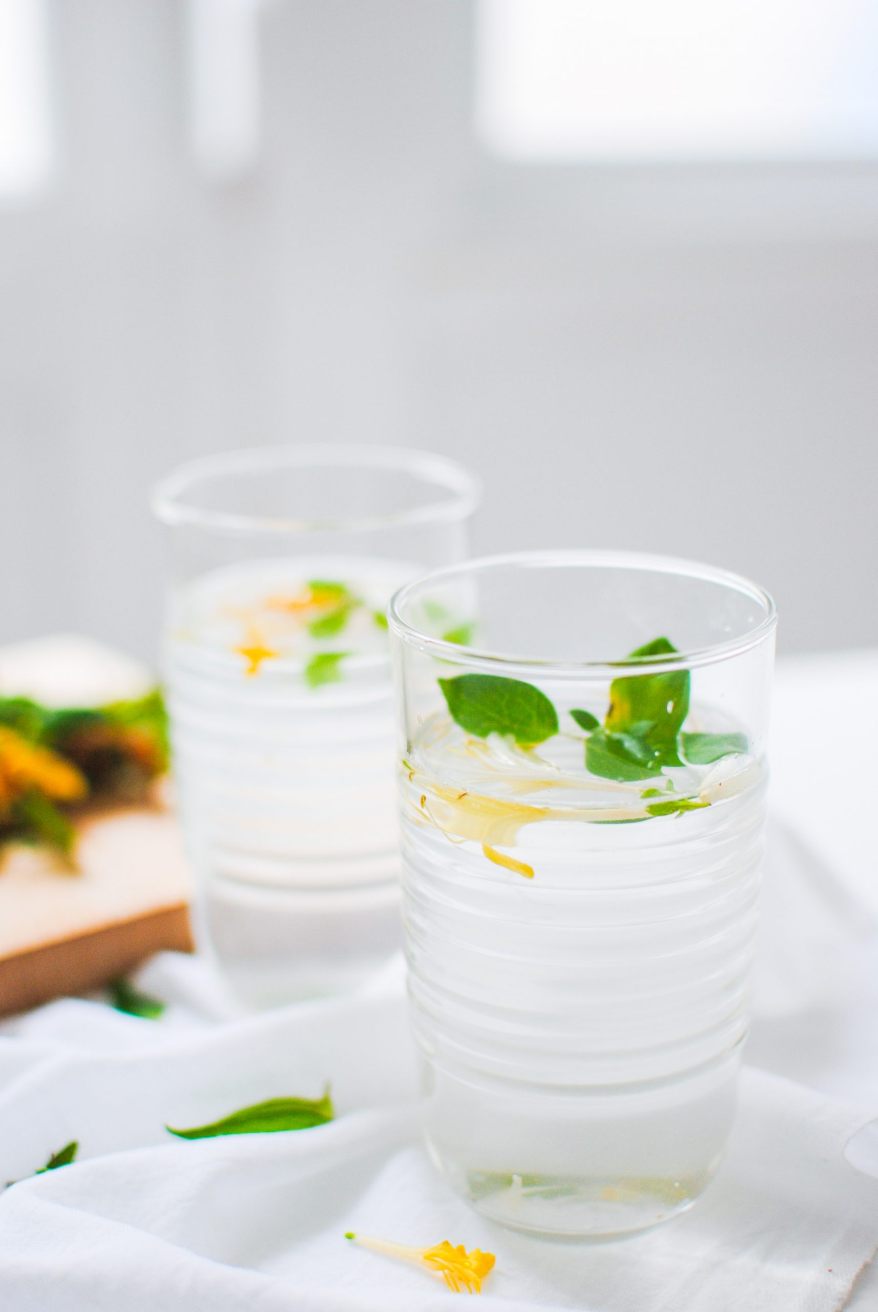 honeysuckle summer drink | please consider | joana limao