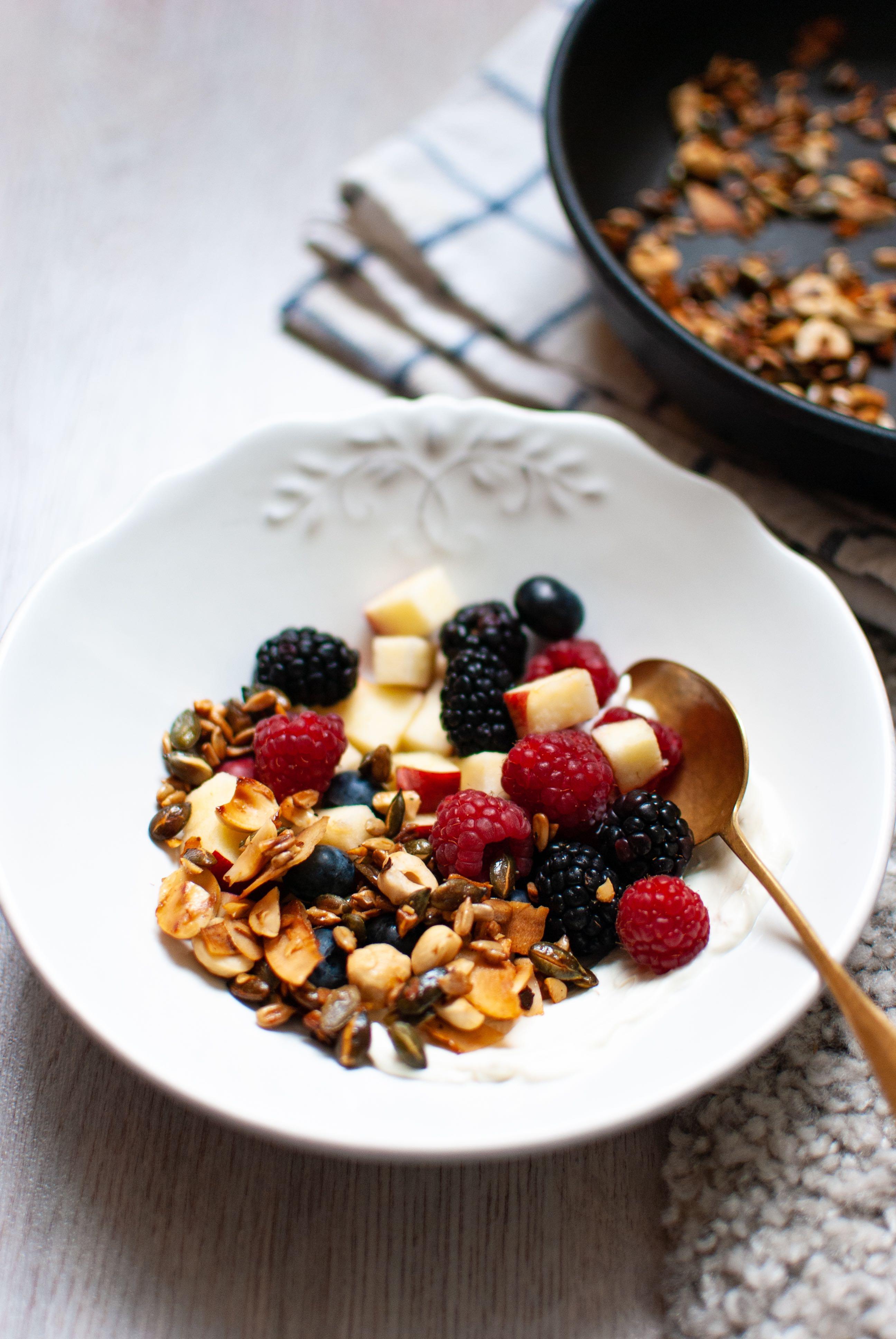 express skillet granola | please consider | joana limao