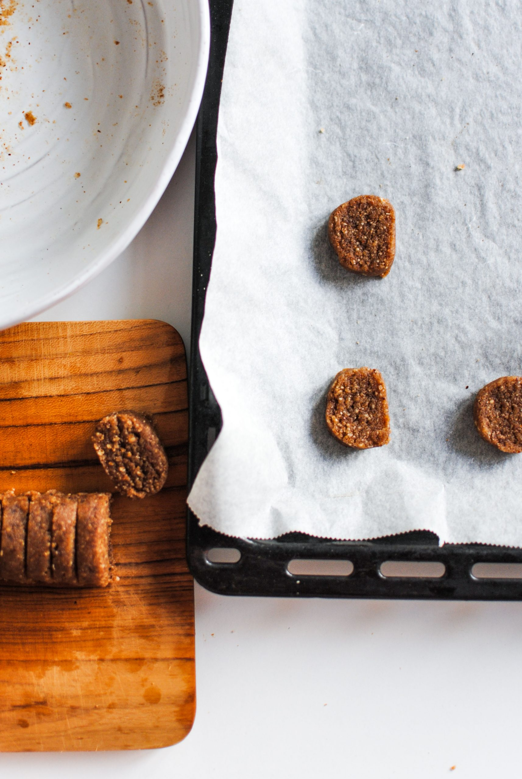 delicious, healthy, vegan, paleo and keto hazelnut shortbread cookies