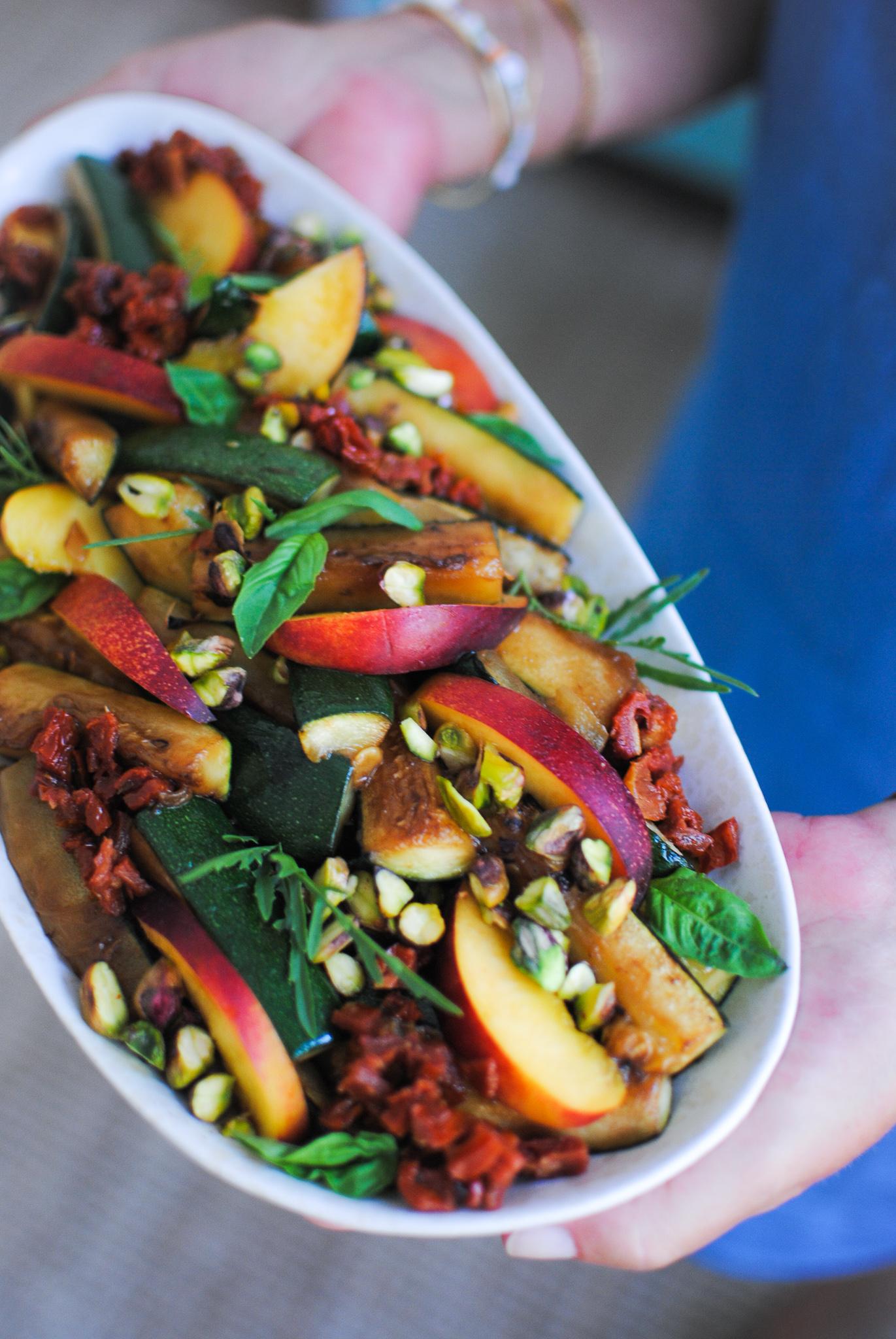 grelhada, nectarina e tomate seco | please consider | joana limao