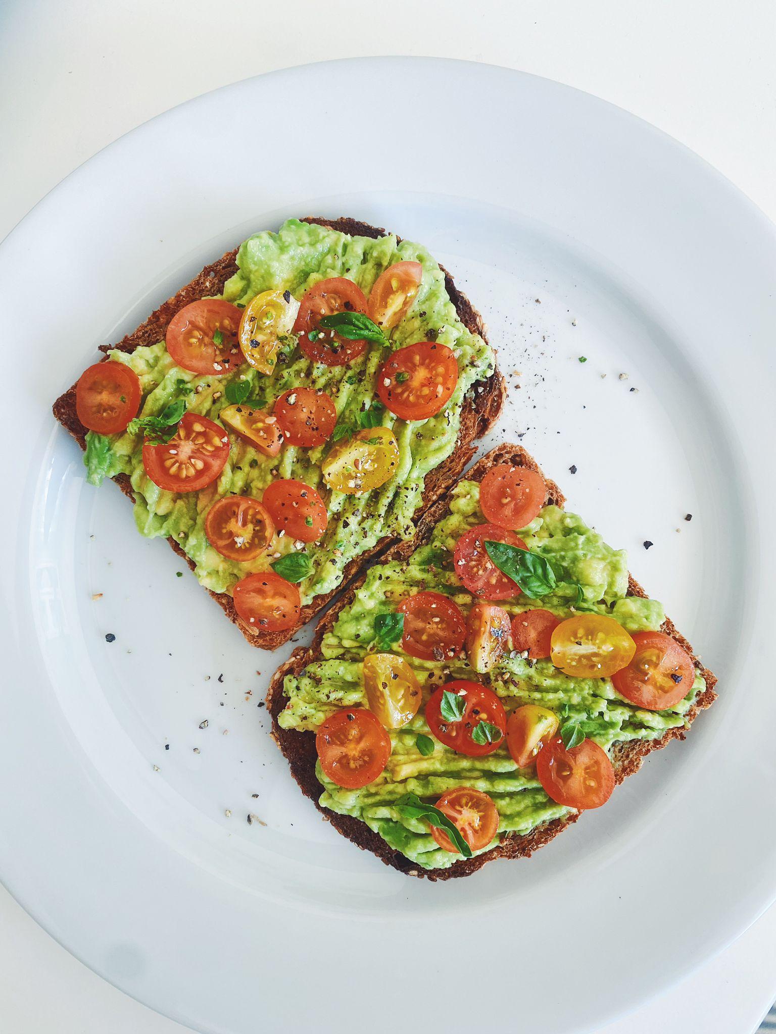 a melhor tosta de abacate | please consider | joana limao